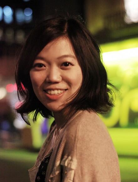 Zhu Yi's Headshot1